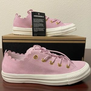 2x HP NWT SUEDE CONVERSE LOW TOPS